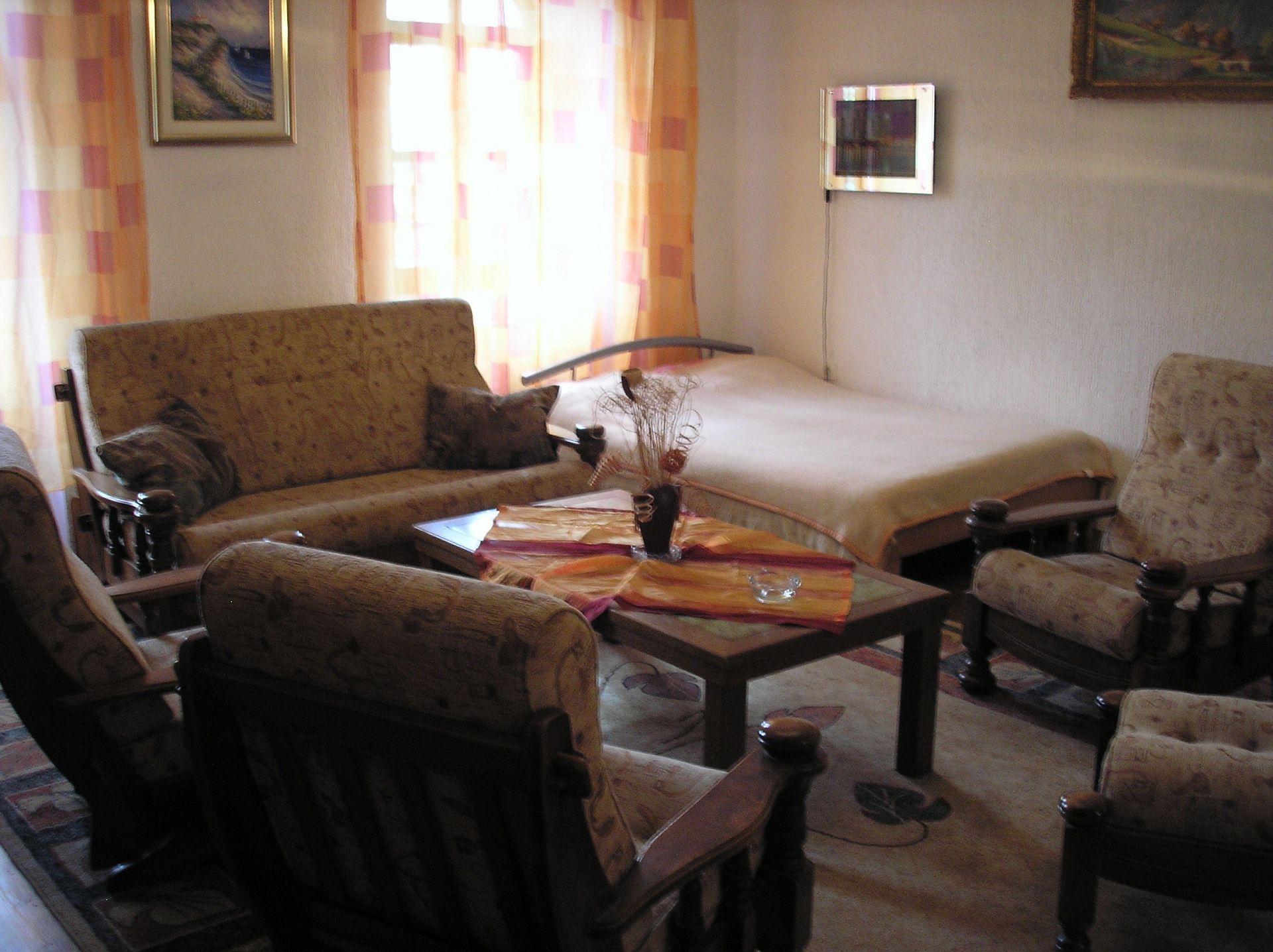 Zvonkic - Aljmas - Ferienwohnungen Kroatien - R2(2+1): Zimmer
