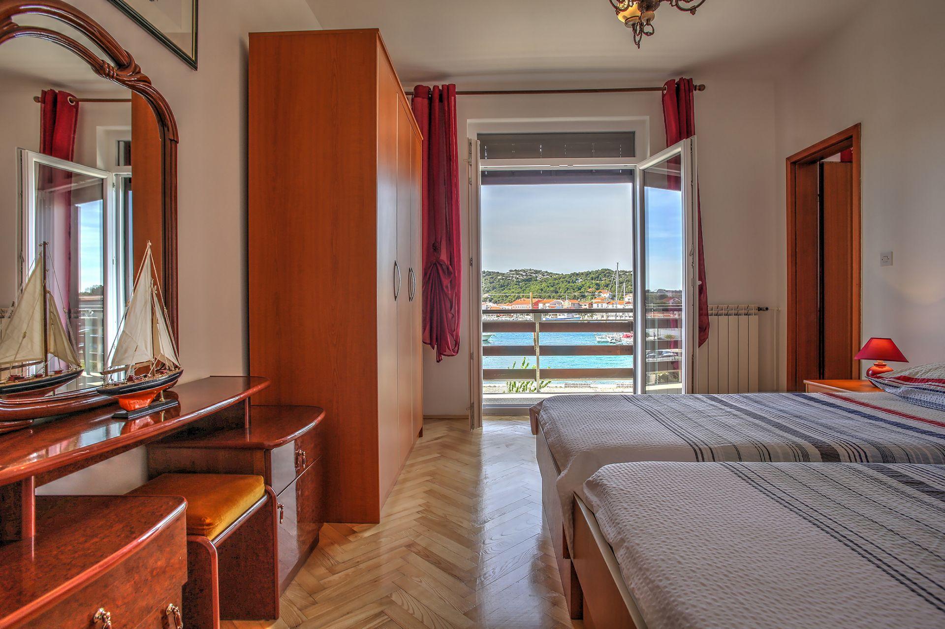 5409 - Jezera - Apartments Croatia - A1(2+1): bedroom
