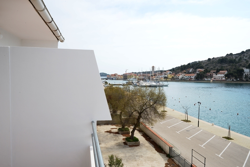 35049  - Tisno - Apartments Croatia