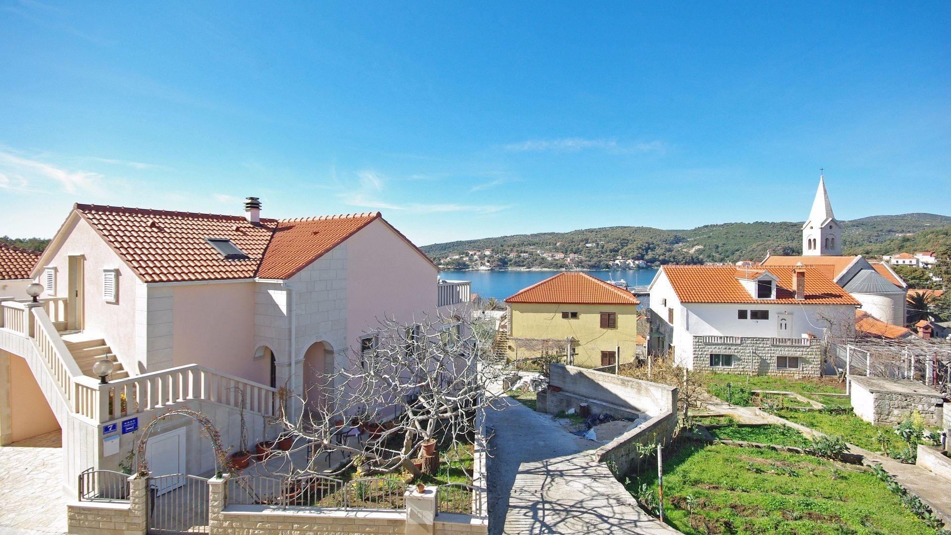 Rosa - Sumartin - Ferienwohnungen Kroatien