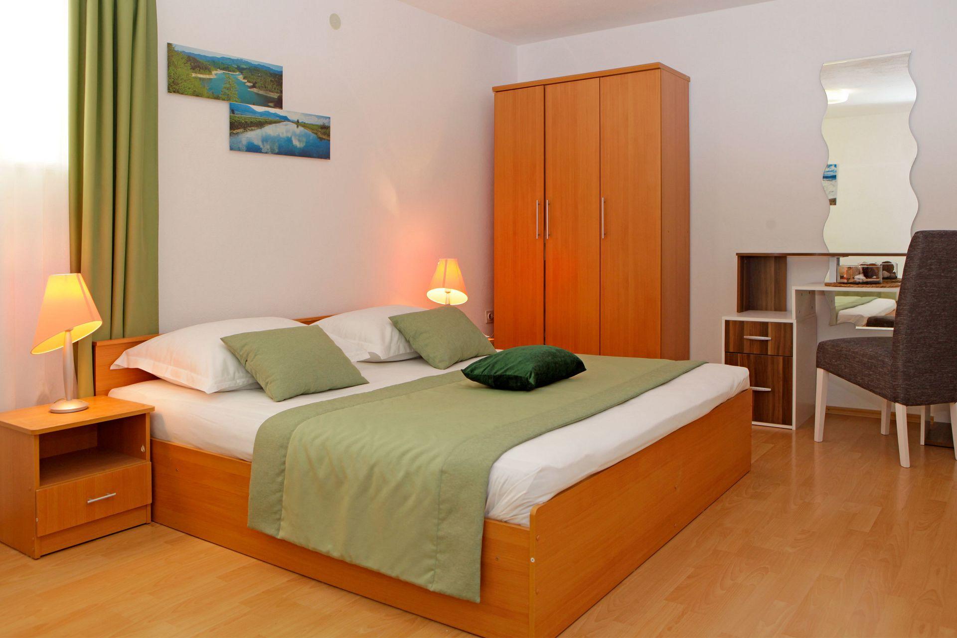 38056 - Bol - Appartementen Kroatië