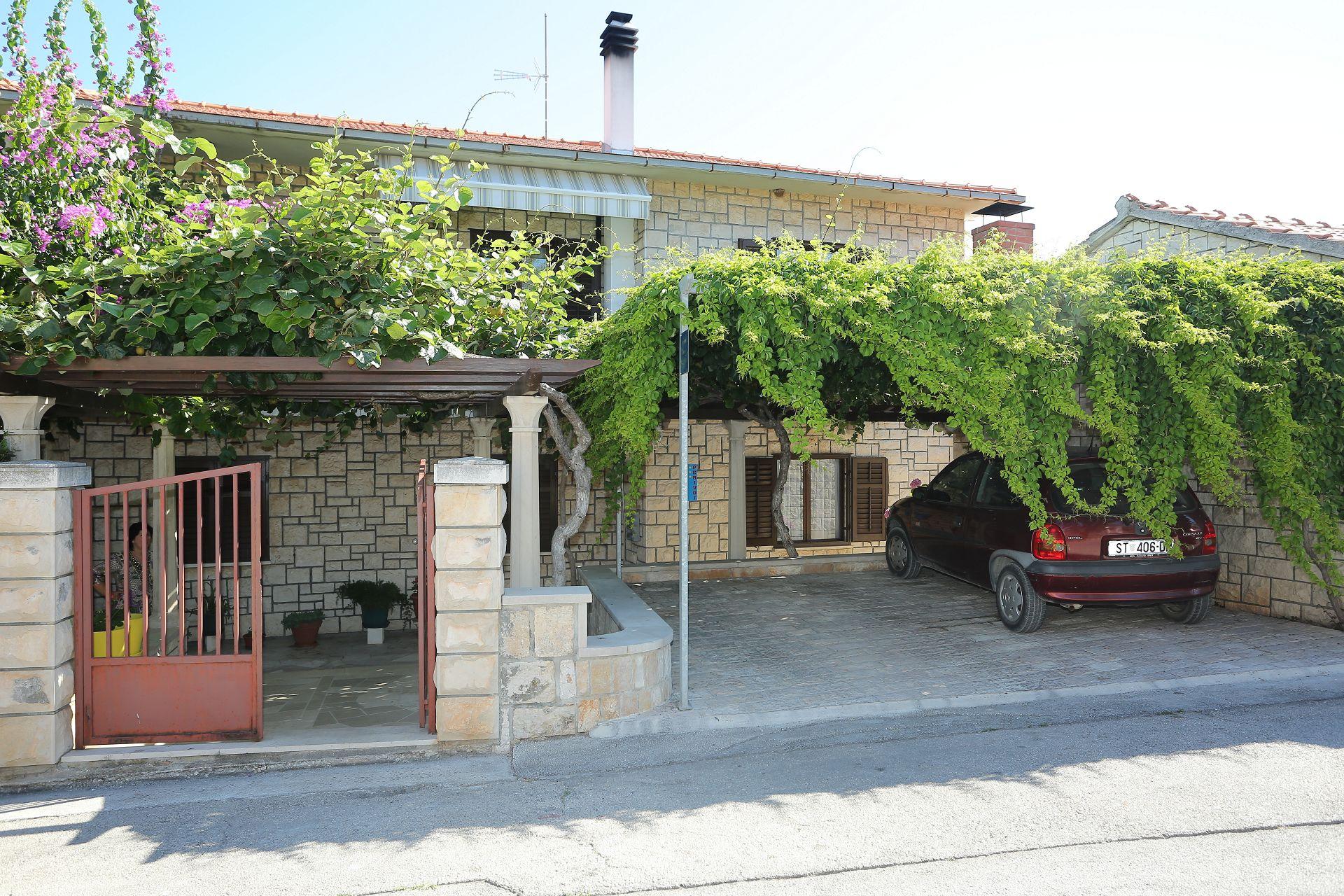 Đina - Supetar - Apartmanok Horvátország
