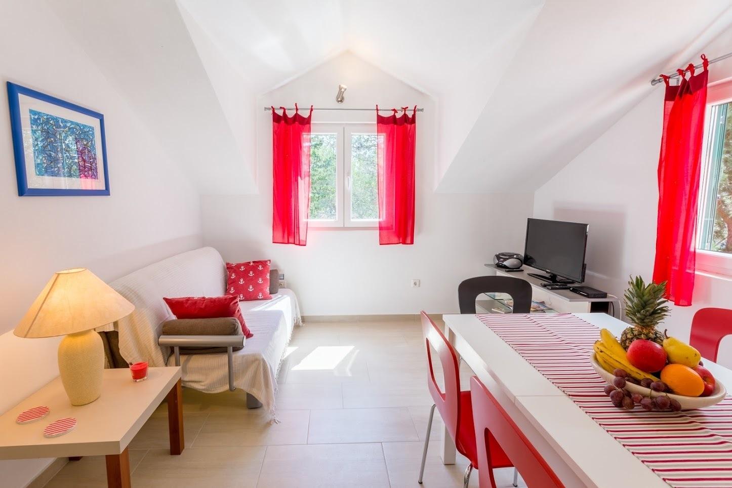 Simi - Baai Osibova (Milna) - Verblijf in lagunes Kroatië - A1(4+1): woonkamer
