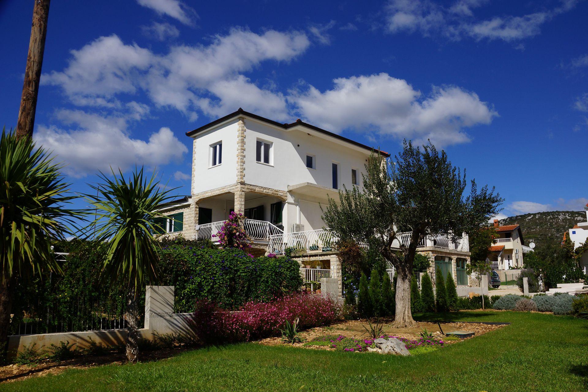 4914 - Vinisce - Appartementen Kroatië