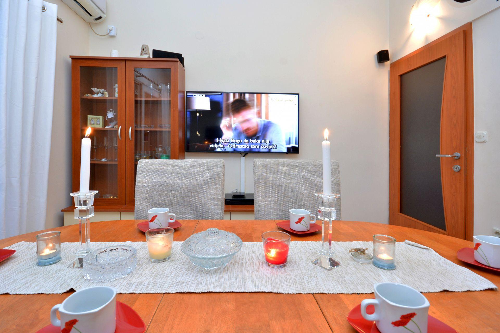 Zeljko - Marina - Appartementen Kroatië - A1(6+2): eetkamer