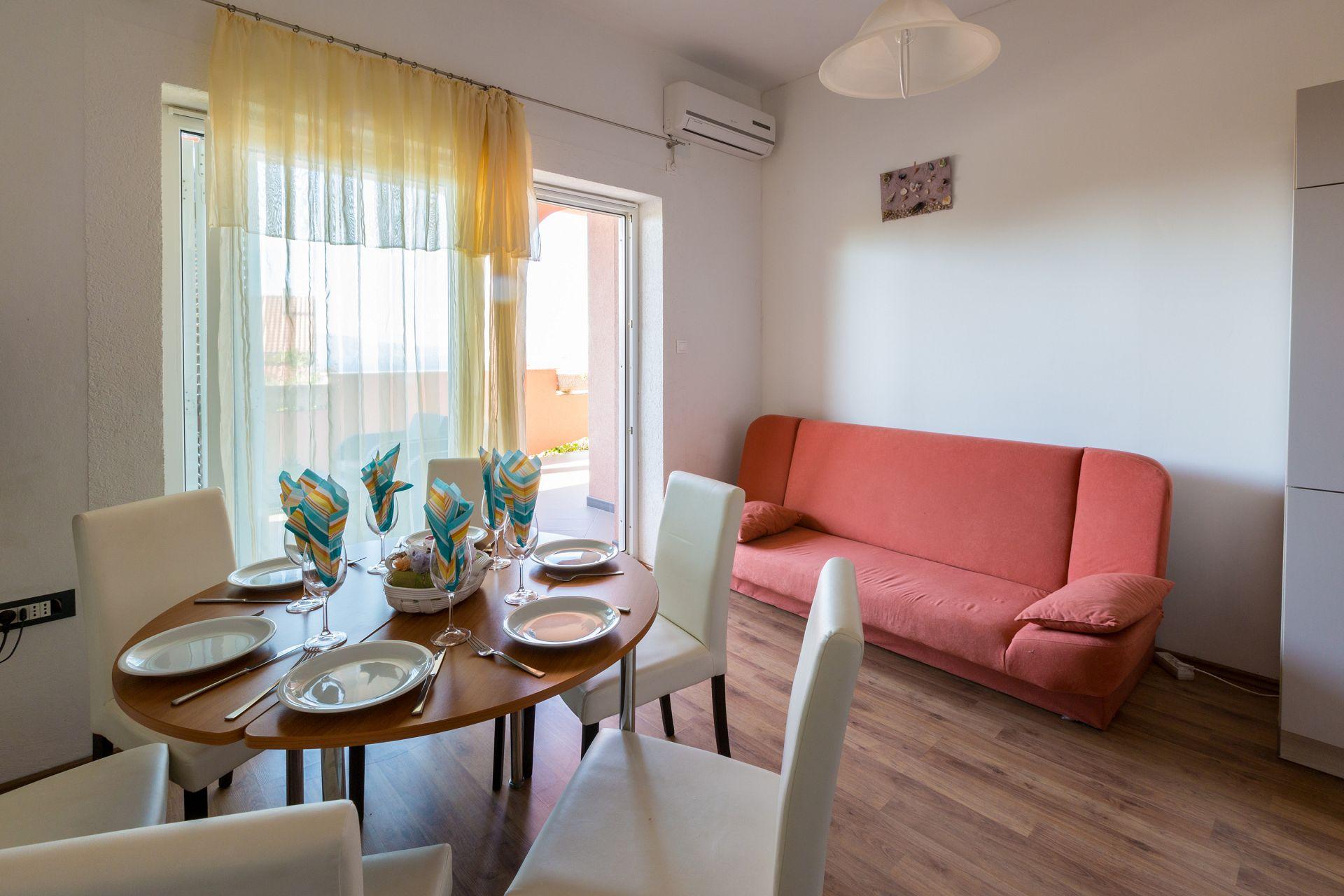 A3 dvosobni(5+1): living room