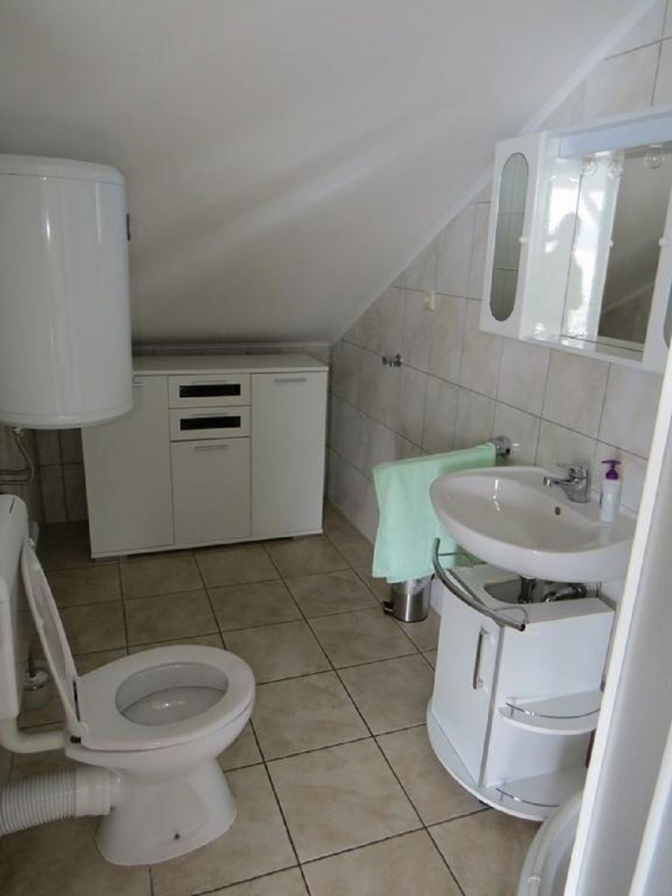 Bubi - Mastrinka - Appartementen Kroatië - A3 drugi kat (4+2): badkamer met toilet