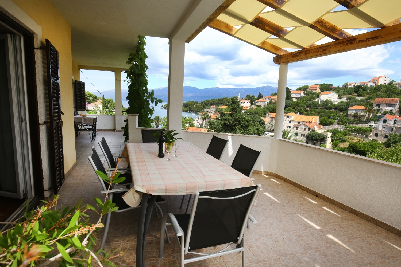 Neda - Splitska - Appartementen Kroatië - A1(6): terras