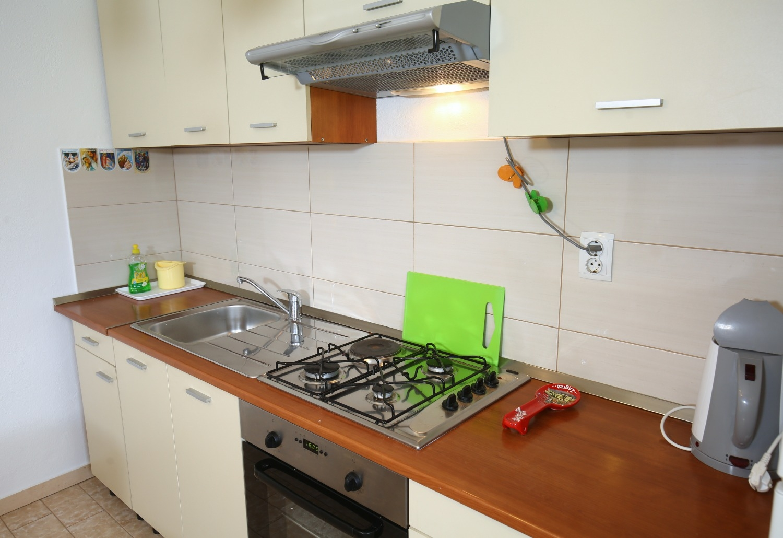 Neda - Splitska - Appartementen Kroatië - A1(6): keuken