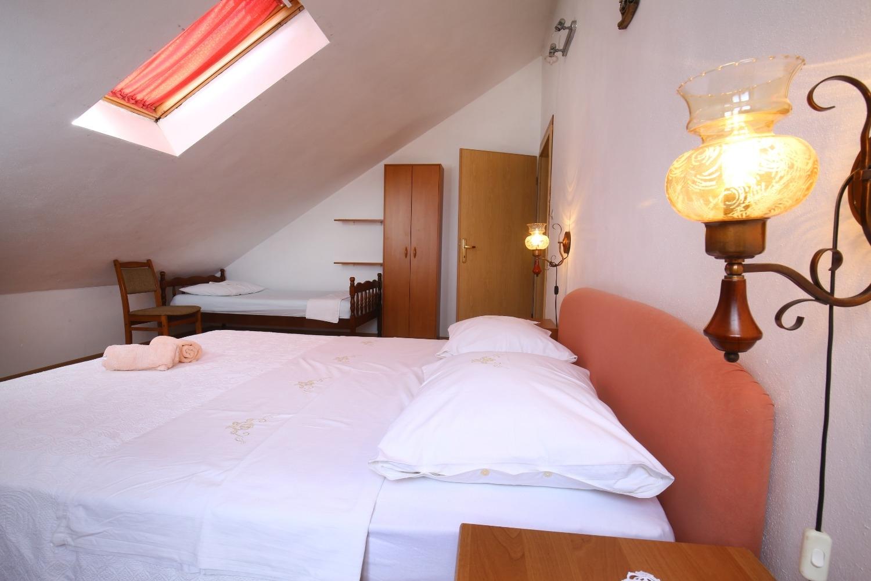 Neda - Splitska - Appartementen Kroatië - A2(4+1): slaapkamer