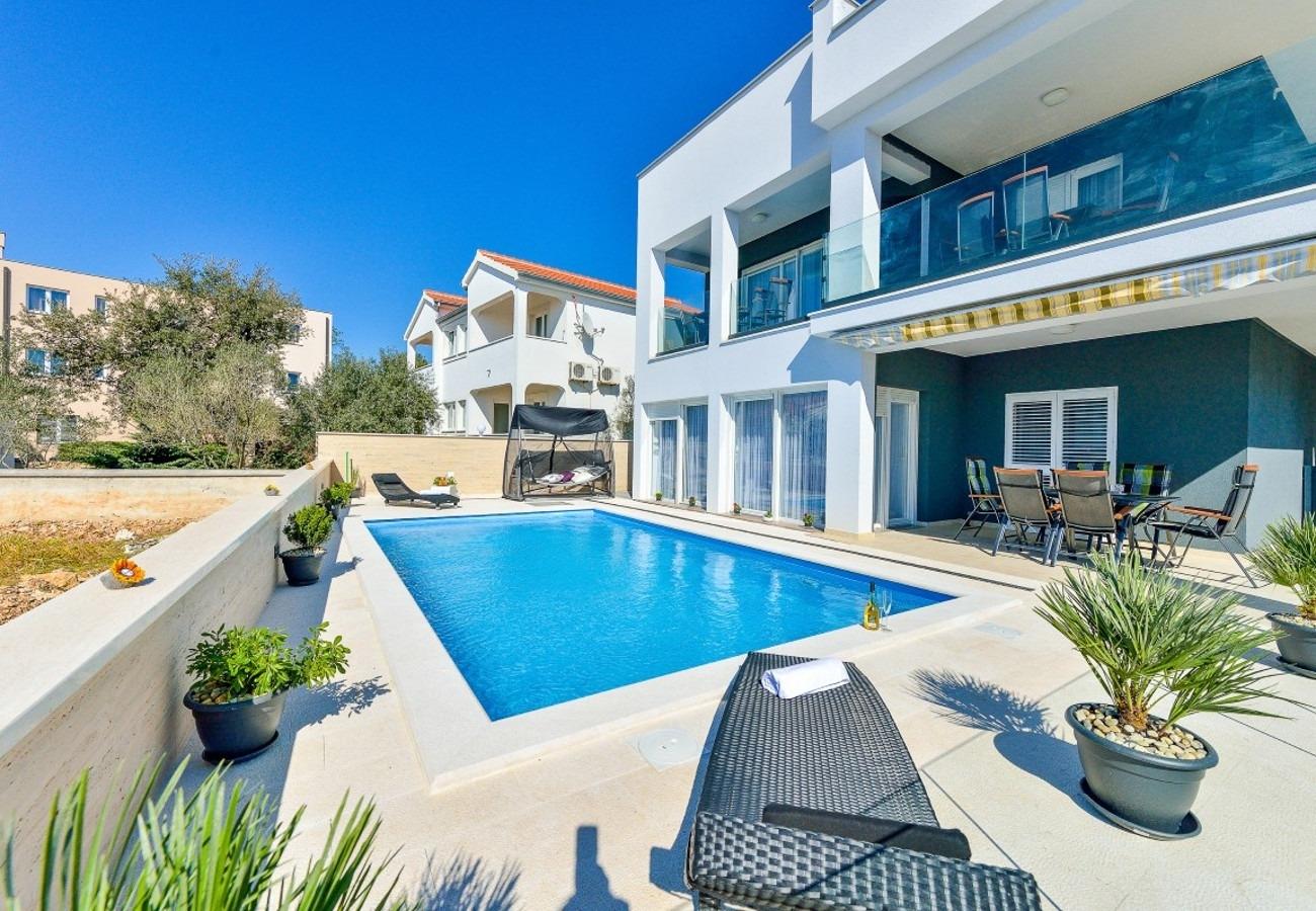 Sunny by the Sea - Zaton (Zadar) - Appartementen Kroatië - zwembad