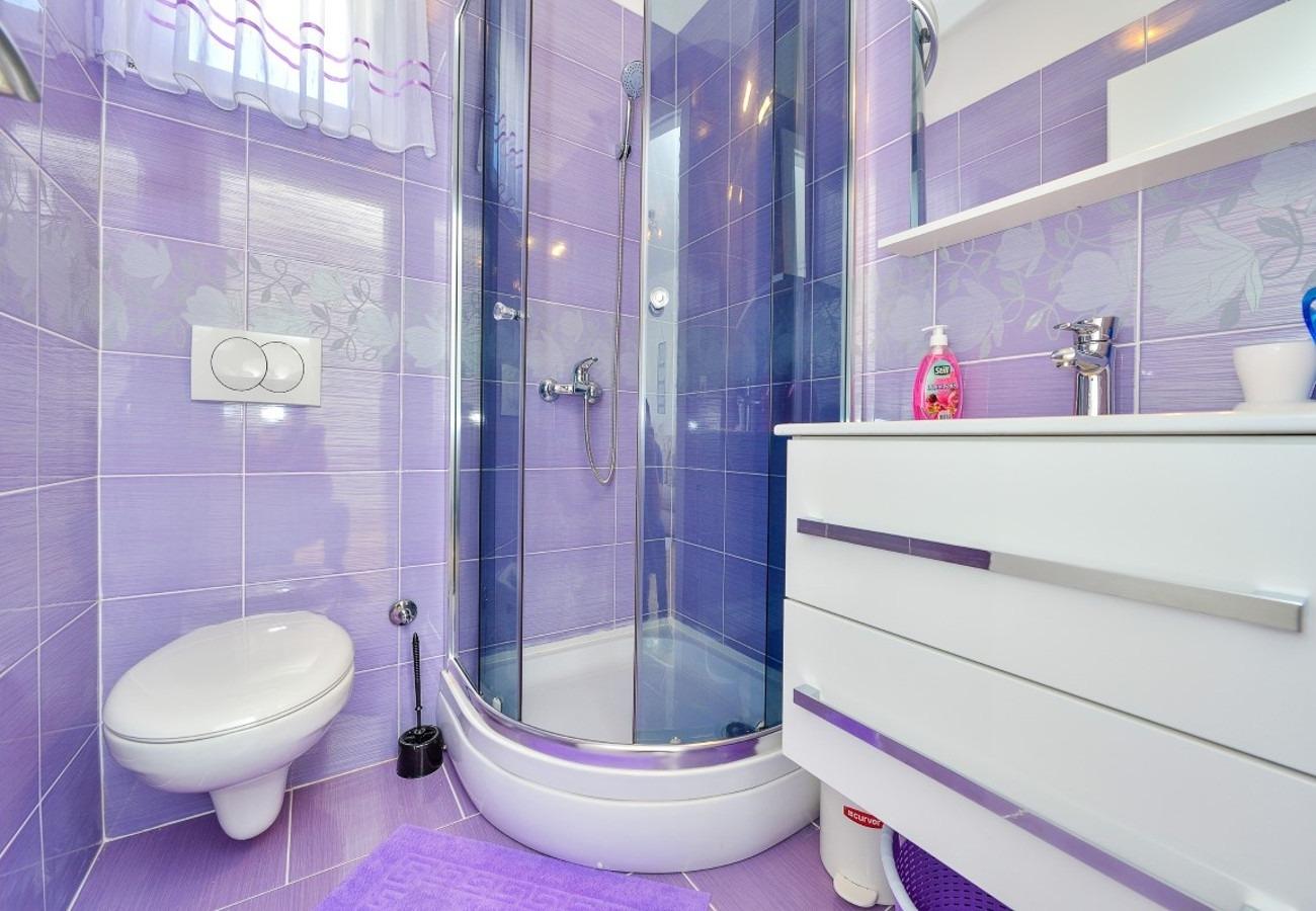 Sunny by the Sea - Zaton (Zadar) - Appartementen Kroatië - A3(2+2): badkamer met toilet