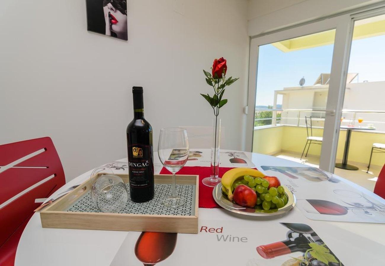 Mali princ - Zadar - Appartementen Kroatië - A2(2+2): eetkamer