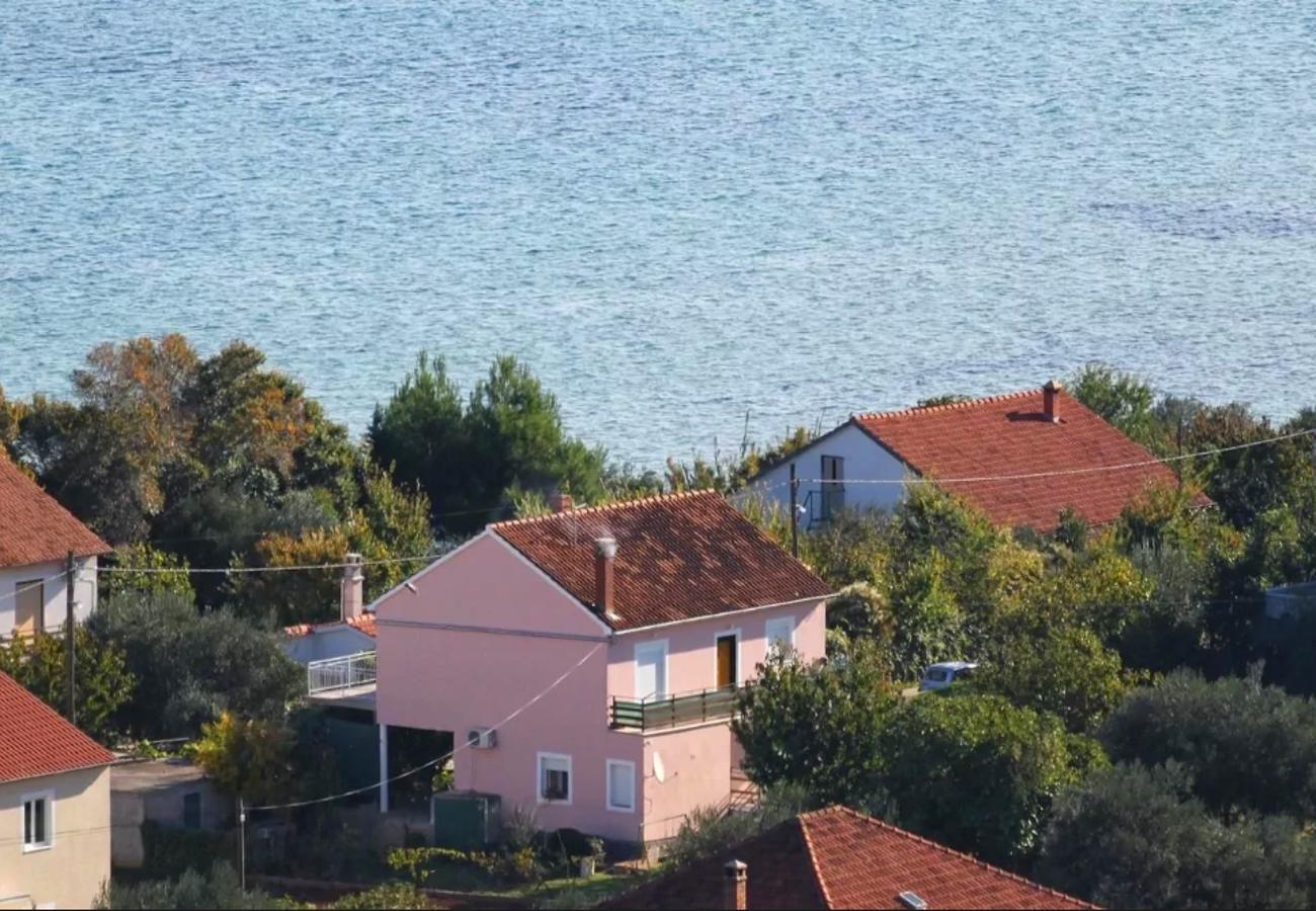 Božica - Tkon - Appartementen Kroatië
