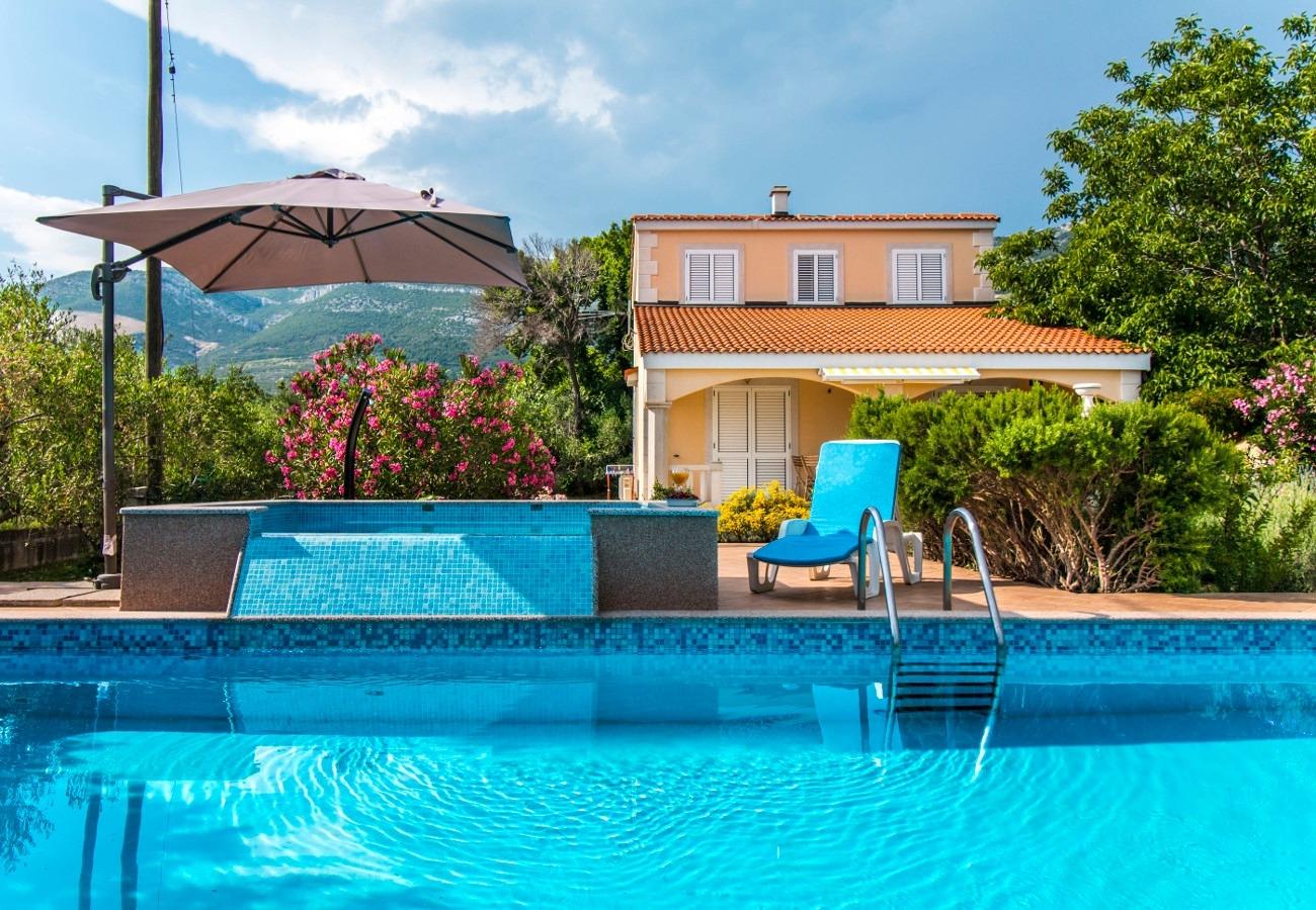 Holiday Homes, ,  - Holiday houses, villas  Mare
