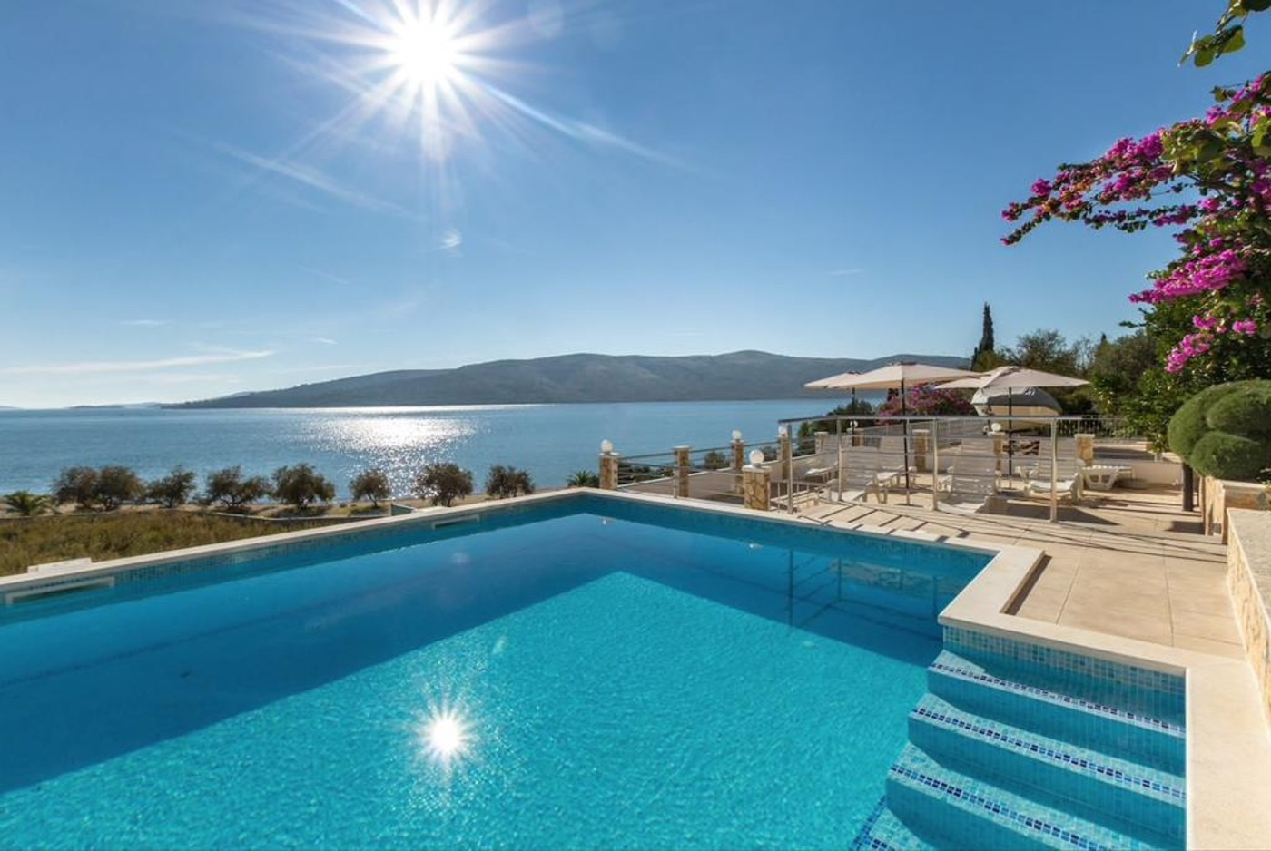 Apartmani, Seget Vranjica, Trogir i okolica - Apartmani   Rose - 30 m from the beach: