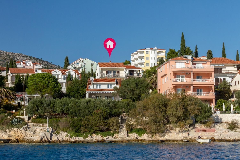 Apartments, Seget Vranjica, Trogir and surroundings - Apartments  Roi