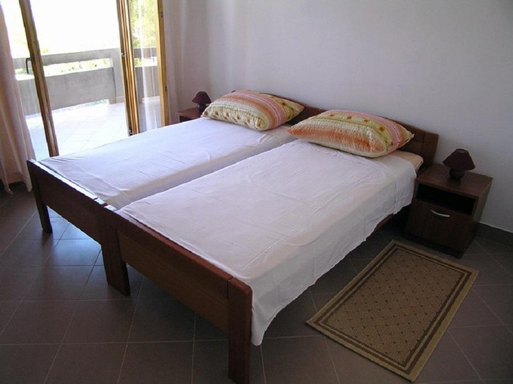 Biserka - Pag - Ferienwohnungen Kroatien - A1(4): Schlafzimmer