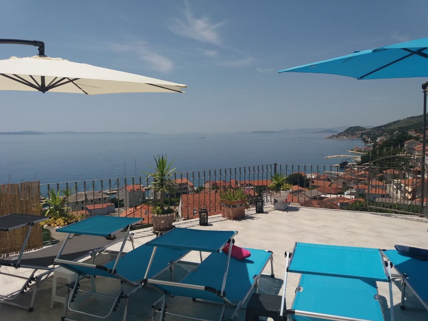 Apartments, Sumpetar, Riviera Omiš  - Apartments  Jugana - with pool :