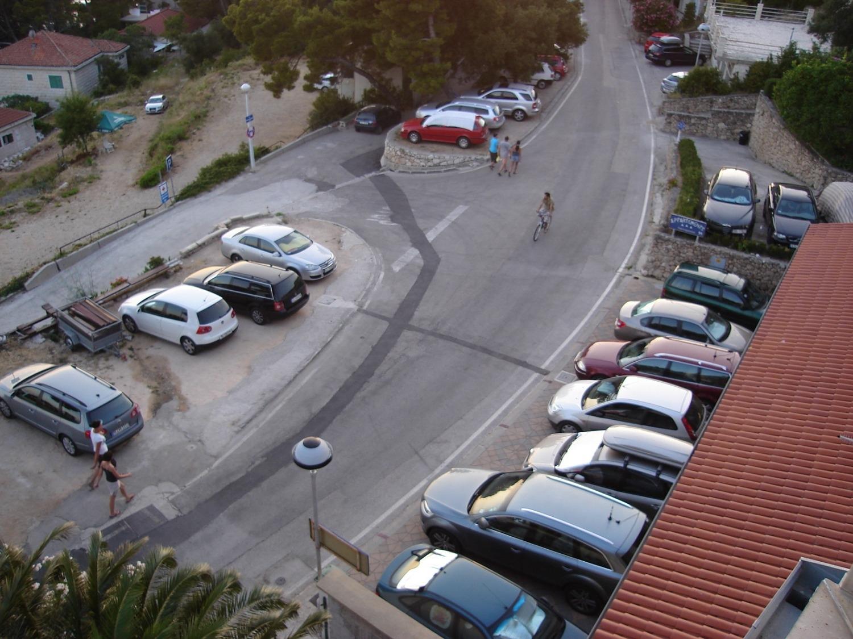 Nada - Brela - Appartementen Kroatië - parkeerplaats