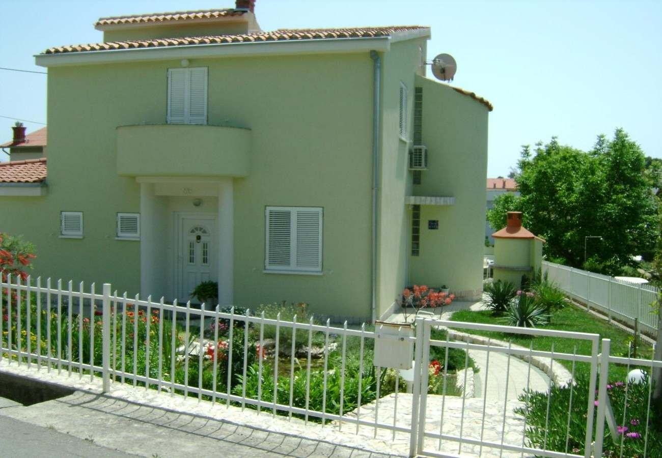 Apartments, Banjole, Pula & south Istria - Apartments  Zdene