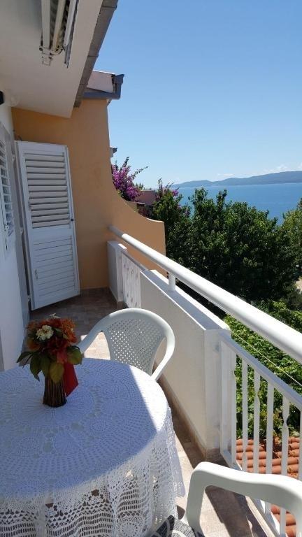 Nina - Celina Zavode - Appartementen Kroatië - A6(4): uitzicht vanaf terras