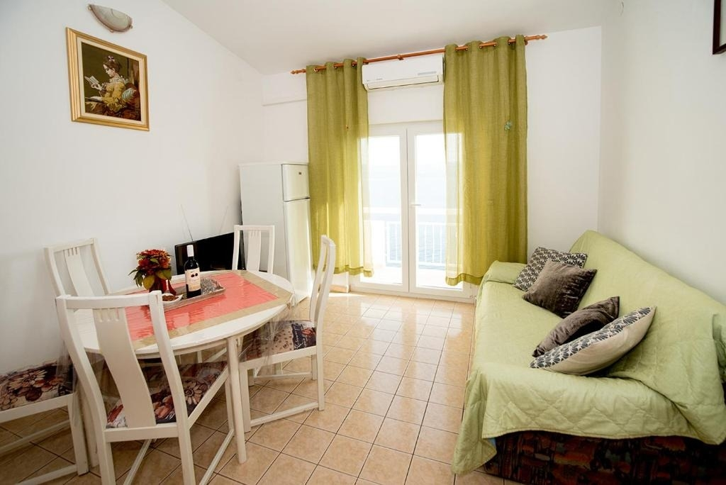 Nina - Celina Zavode - Appartementen Kroatië - A5(6+2): woonkamer