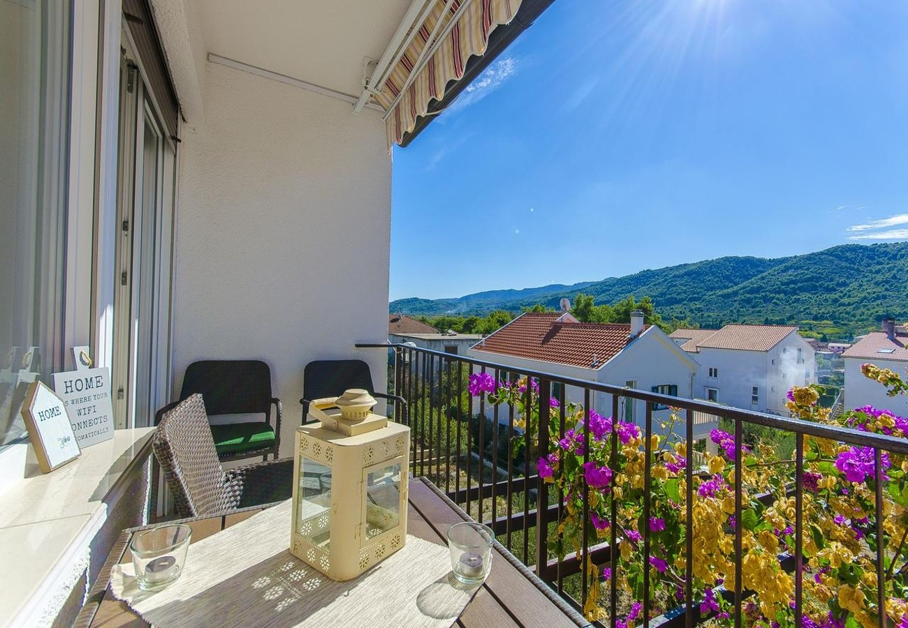 Apartments, Stari Grad, Island of Hvar - Apartments  Orco - close to the sea