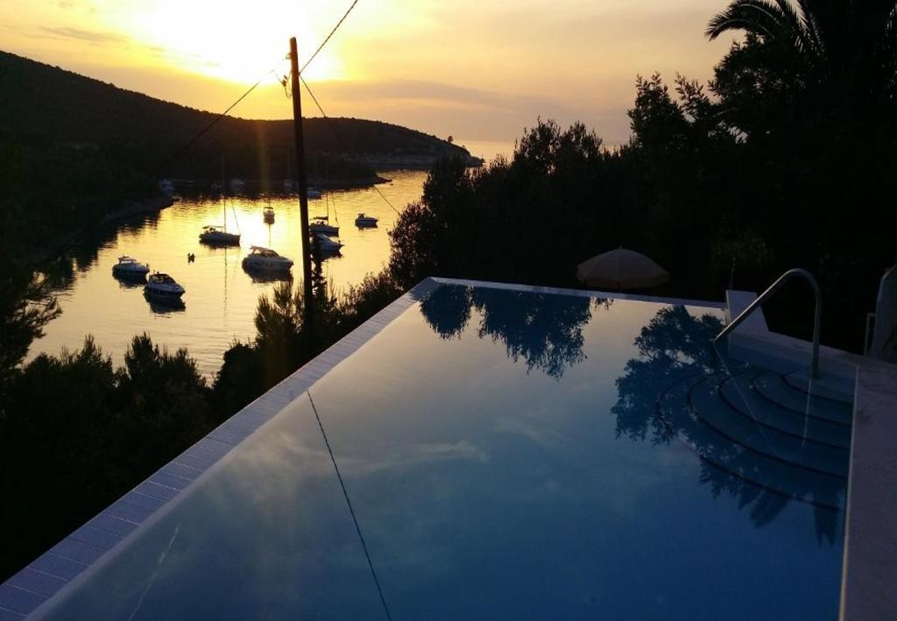Holiday Homes, Hvar, Island of Hvar - Holiday houses, villas  S&T