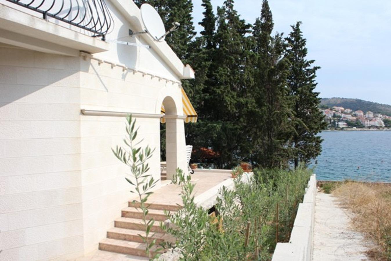 Holiday Homes, Okrug Gornji, Island of Čiovo - Holiday houses, villas  Varija