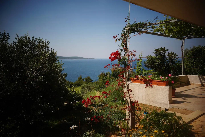 Apartments, Zavalatica, Island of Korčula - Apartments  Ana - sea view;