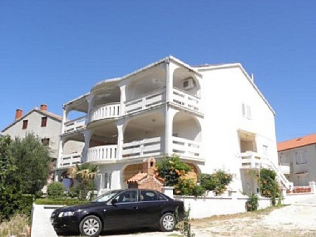 Apartments, Novalja, Island of Pag - Apartments  Antony - free grill: