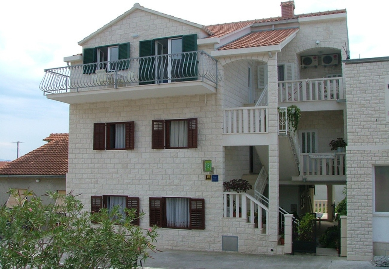 Apartments, Bol, Island of Brač - Apartments  Darka - 100m from sea: