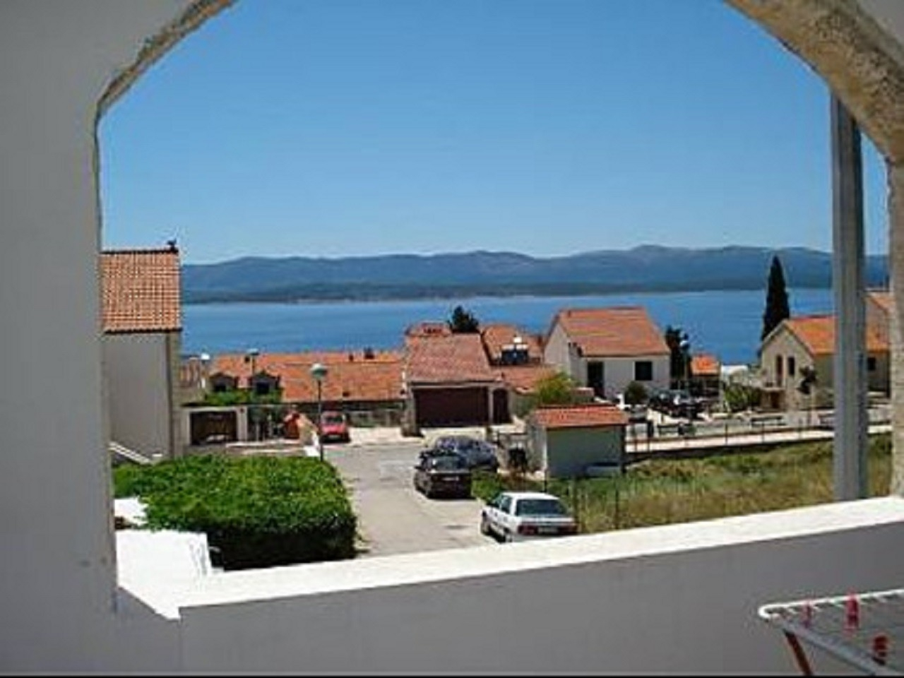 Apartments, Bol, Island of Brač - Apartments  Suzi - parking:
