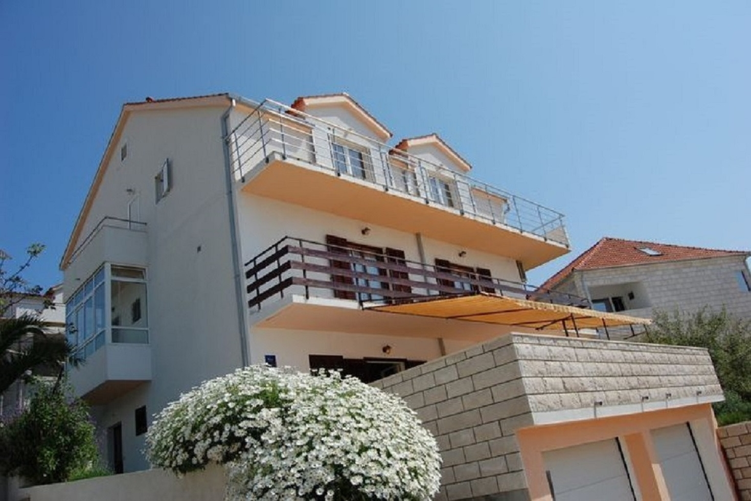 Apartments, Hvar, Island of Hvar - Apartments  Marti - free parking and grill: