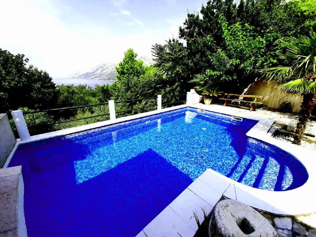 - Brela - Prázdninové domy, vily