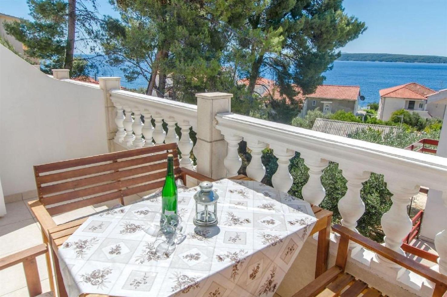 Apartments, Zavalatica, Island of Korčula - Apartments  Ljilja - 150 m from beach: