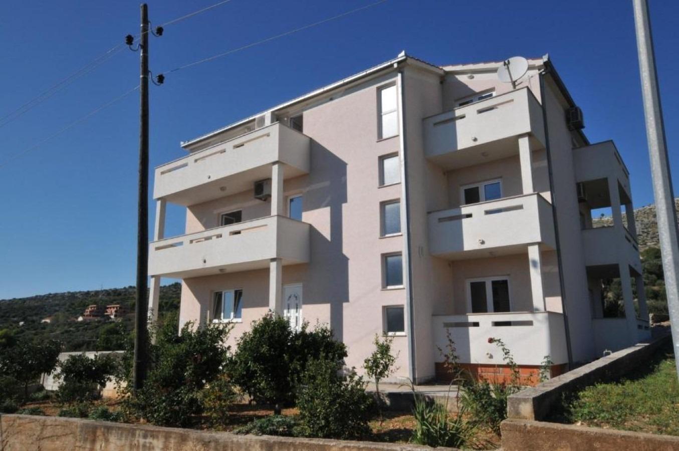 Ferienwohnungen, Seget Vranjica, Trogir und Umgebung - Ferienwohnungen  Žar - free parking