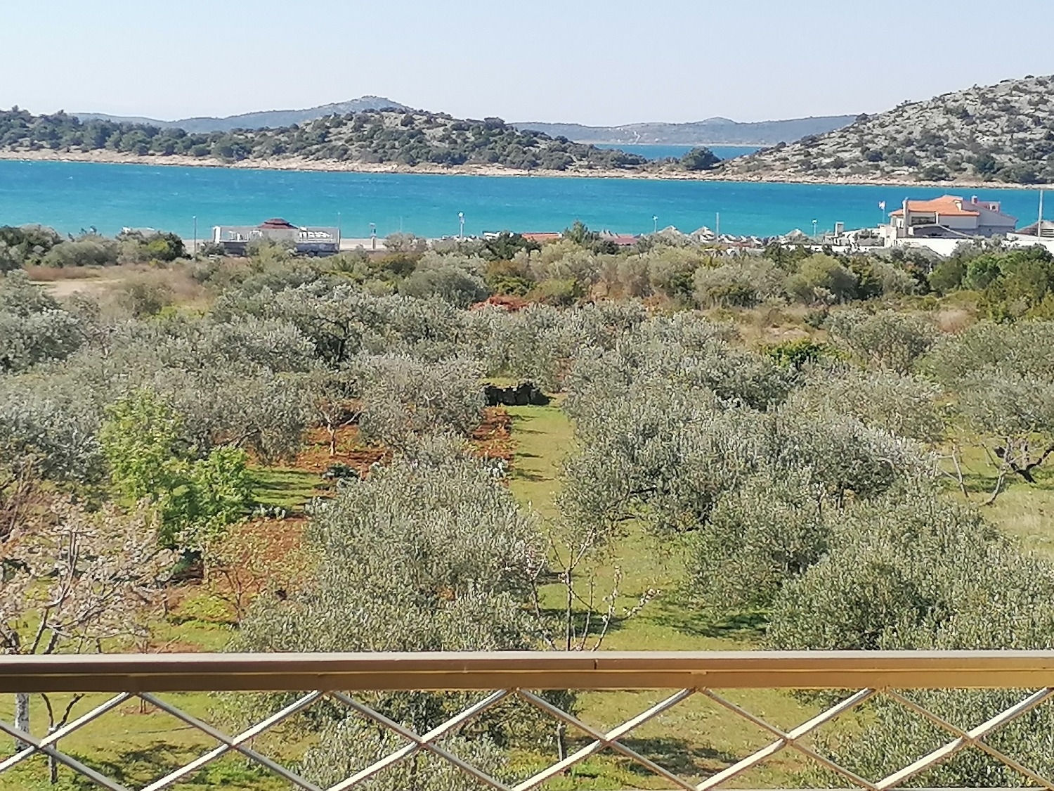 Apartments, Tribunj, Vodice and surroundings - Apartments  Damir - on the sea side :