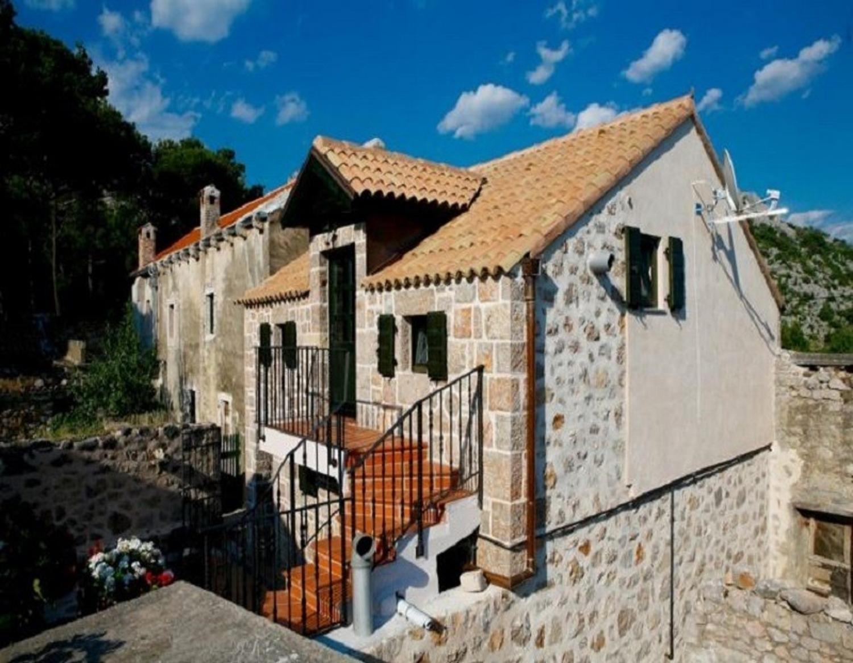 - Starigrad-Paklenica - Prázdninové domy, vily