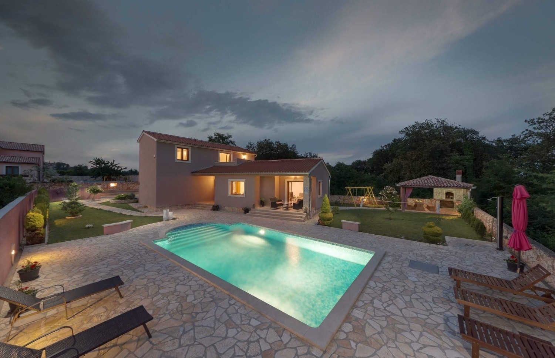 Holiday Homes, ,  - Holiday houses, villas  Klo
