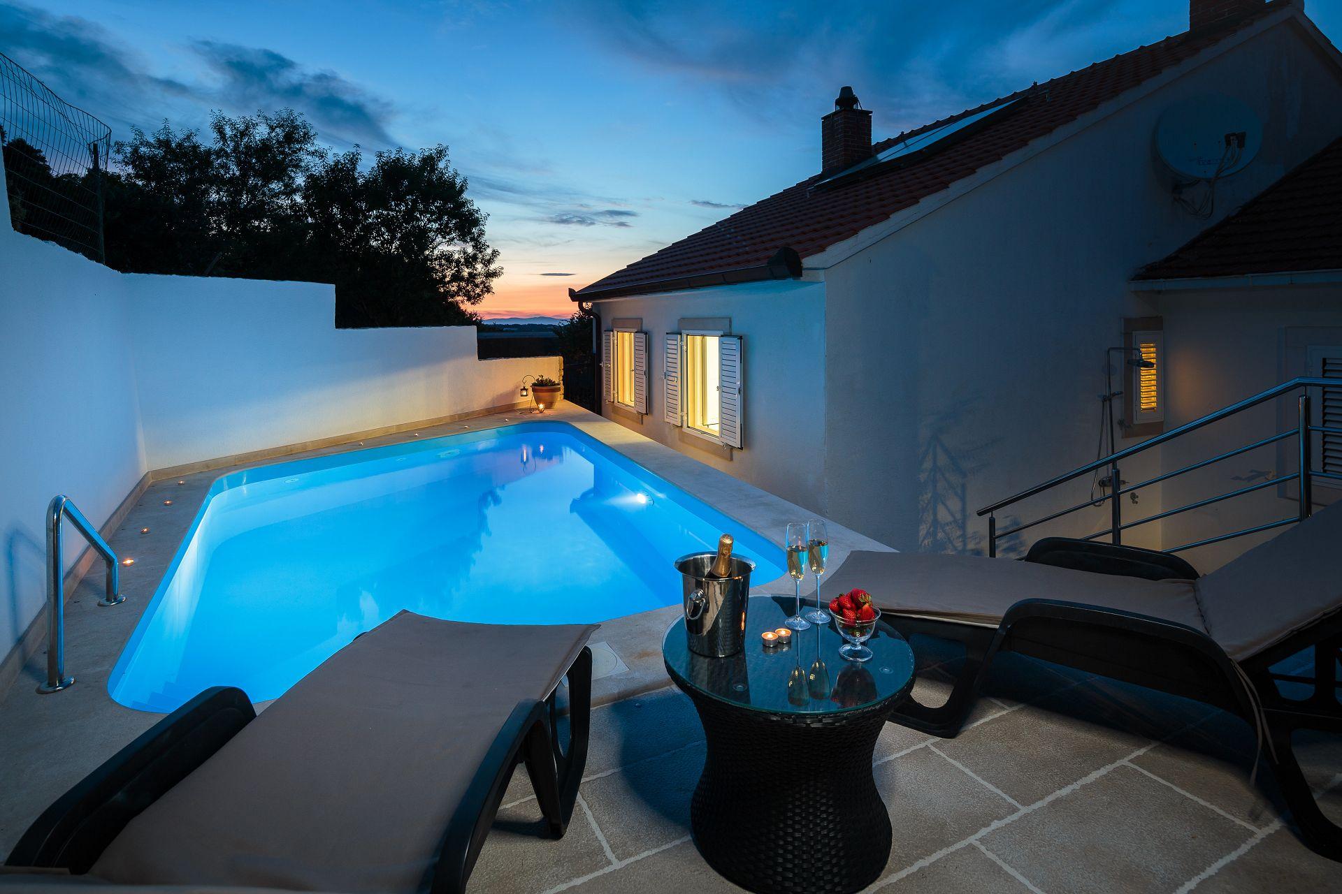 Maison de vacances Andre H(6+2) - Nerezisca (1533099), Nerezisca, Île de Brac, Dalmatie, Croatie, image 1