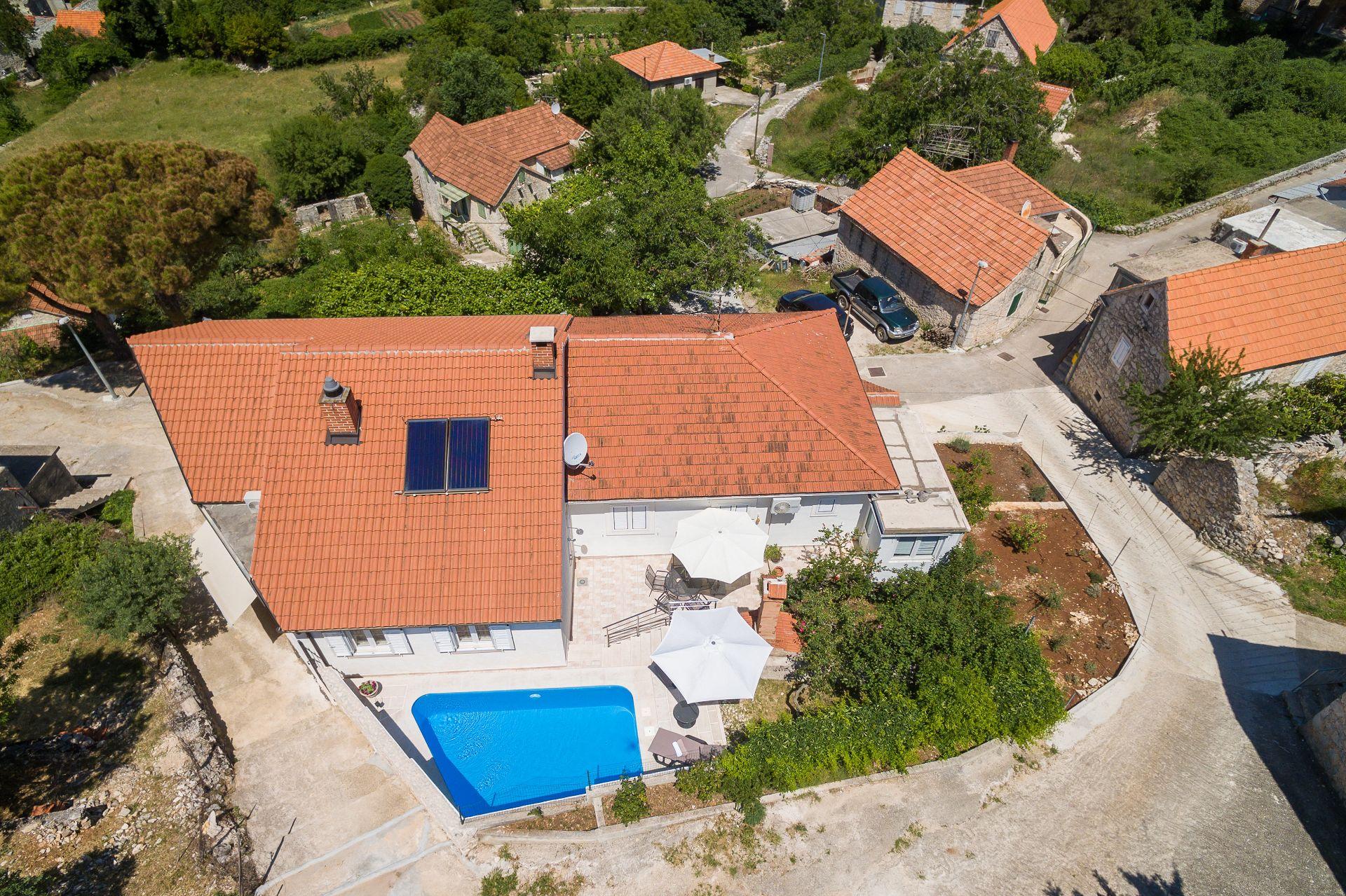 Maison de vacances Andre H(6+2) - Nerezisca (1533099), Nerezisca, Île de Brac, Dalmatie, Croatie, image 3