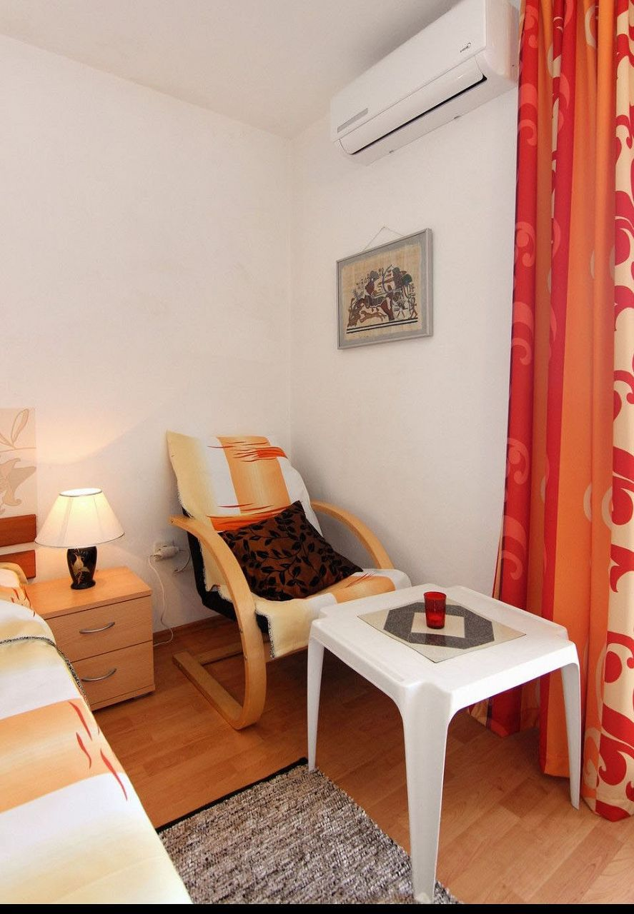 Apartamenty Studio apartment Nik A1 Vrboska, Island Hvar 52087, Vrboska, Hvar, Splitsko-dalmatinska