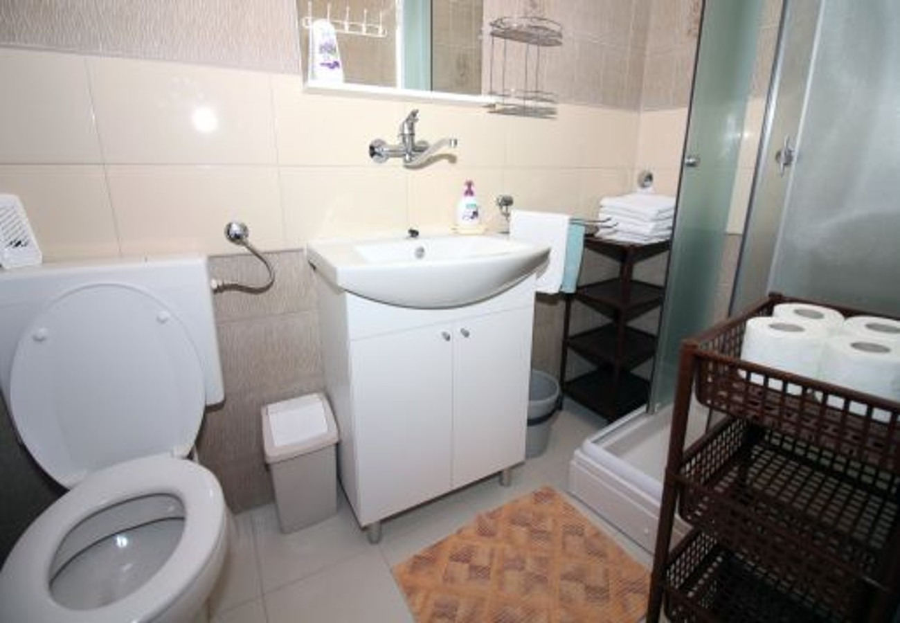 Aпартамент Studio apartment Marica SA2 Tisno, Island Murter 50873, Tisno, , Шибеник-Книн