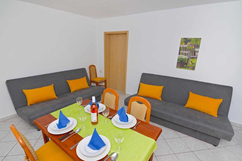 Ferienwohnung Zora A2(2+2) - Pirovac (740020), Pirovac, , Dalmatien, Kroatien, Bild 9