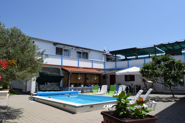 Den - with pool: C3(2+2) - Tribunj Ferienwohnung in Kroatien