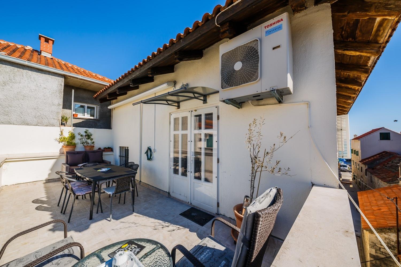 Leiligheter Apartment Sedam Bisera 11 A1 Kastel Stari, Riviera Split 52007, Kastel Stari, , Splitsko-dalmatinska
