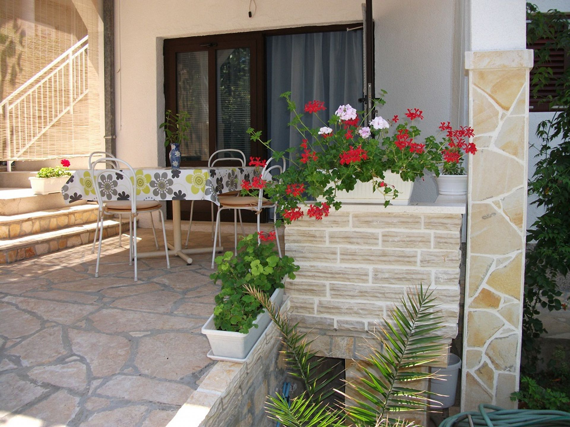 Ferienwohnung Dusko A1(2+3) - Gornji Karin (802127), Obrovac, , Dalmatien, Kroatien, Bild 3